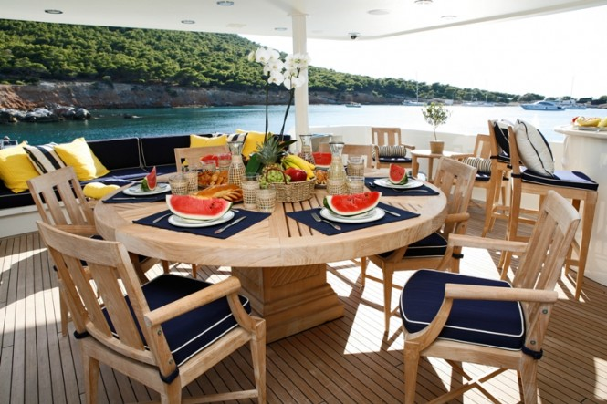 ENDLESS SUMMER - Aft Deck Dining TAble
